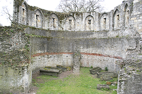 Portion of the ancient Roman wall and tombs