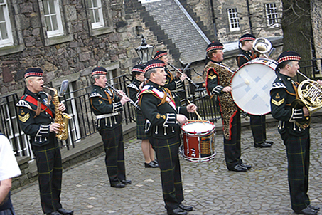 A good ol' Scottish marching band